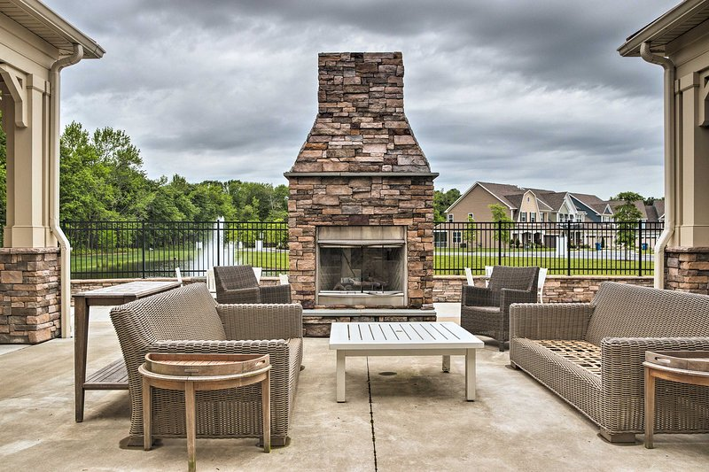 This home offers access to several community amenities!
