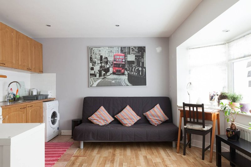 Holiday apartment Dublin City - free parking., holiday rental in Hollywood
