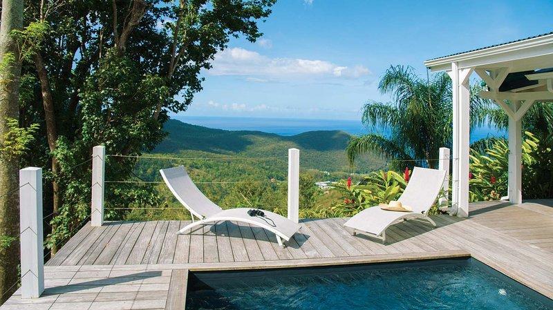 Villa la Belle Etoile pour 4 ou 6 personnes avec piscine privée, casa vacanza a Pointe-Noire