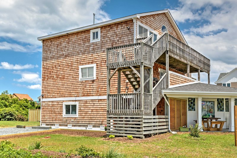 For the ultimate North Carolina getaway, book this lovely vacation rental house!