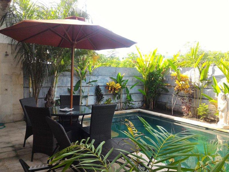 #3  Affordable 2 bedroom pool villa close to Lovina Beach, alquiler vacacional en Sambangan