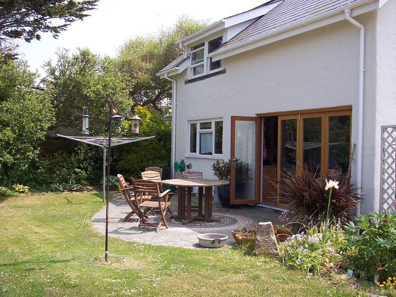 Pretty and private back garden