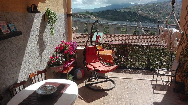 Panoramico Attico, holiday rental in Campofelice di Roccella