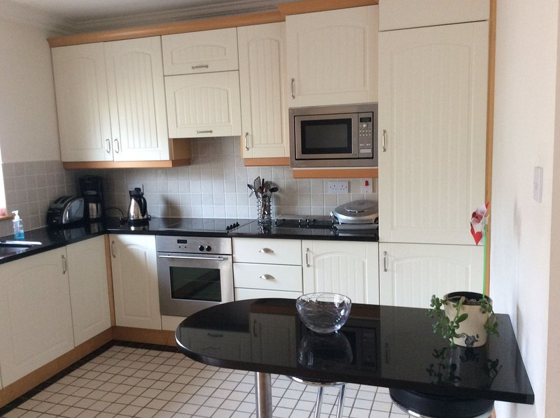 Silversands  Apartment, Rosslare Strand, Co.Wexford - 2 Bed - Sleeps 4/5 - Silve, vacation rental in Rosslare Harbour