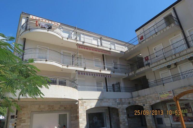 Apartments Marko - 1/4+1 ( L ), casa vacanza a Buljarica