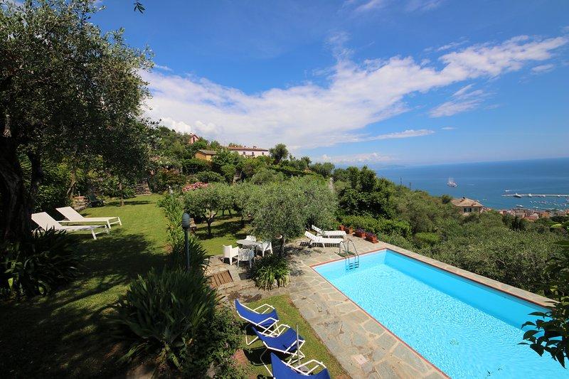 VILLA BELVEDERE by KlabHouse-6BR w/Pool Terrace, casa vacanza a Santa Margherita Ligure