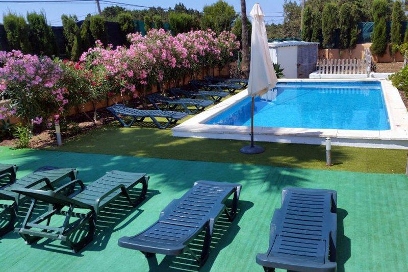 Casa a pocos metros del mar, holiday rental in Sant Josep de Sa Talaia