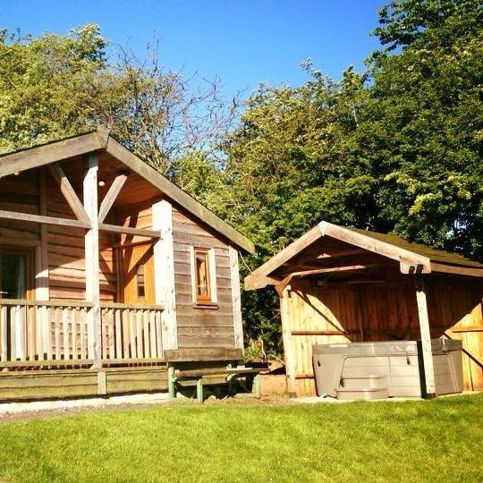 Arraslea Log Cabin, Alderwasley, Belper, Derbys, holiday rental in Belper