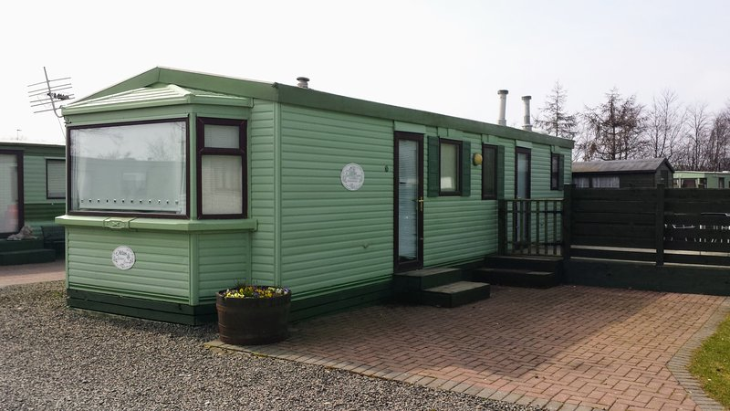 Holiday Caravan, Lochland, Forfar, Angus, vacation rental in Murthill