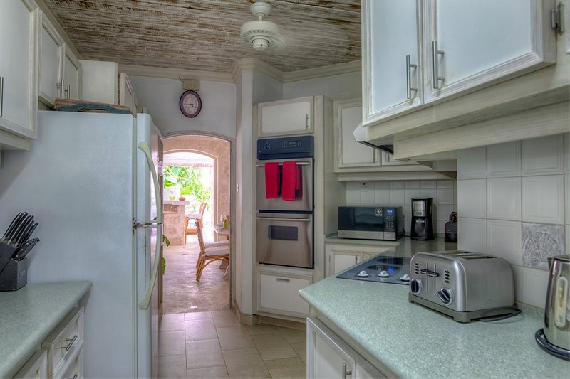 Waverly One - Kitchen with appliances