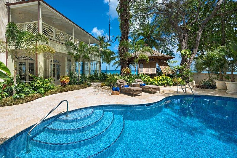 Hemingway House - Pool view