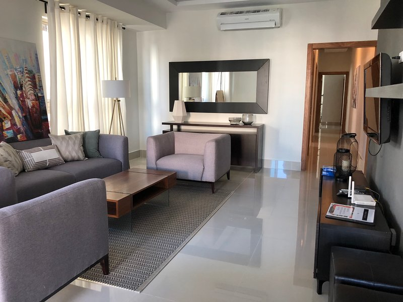 *COZY and MODERN 3BR   DOWNTOWN STO DGO, vacation rental in Santo Domingo