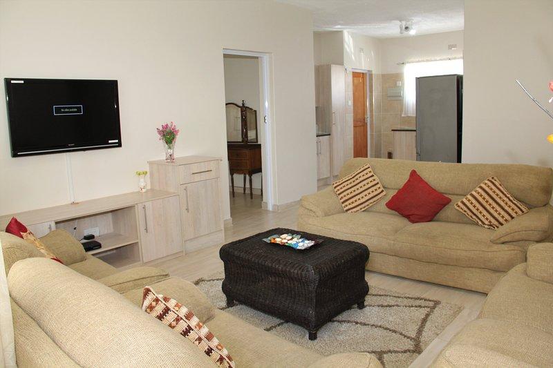 Dawn's Marlborough Apartment, vacation rental in Zimbabwe