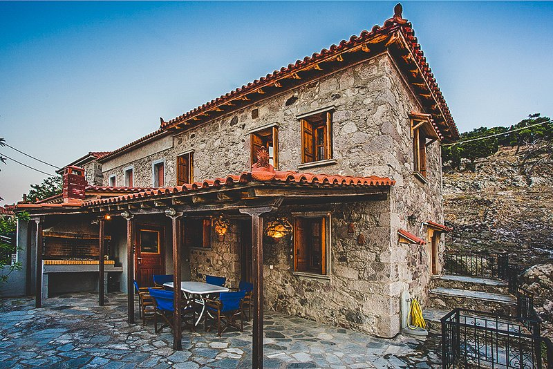 Traditional Stone Villa Minutes To The Beach, holiday rental in Kontias