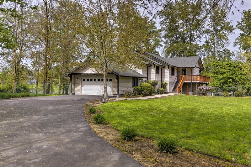 This Grants Pass home is the perfect home base for your Oregon adventure!