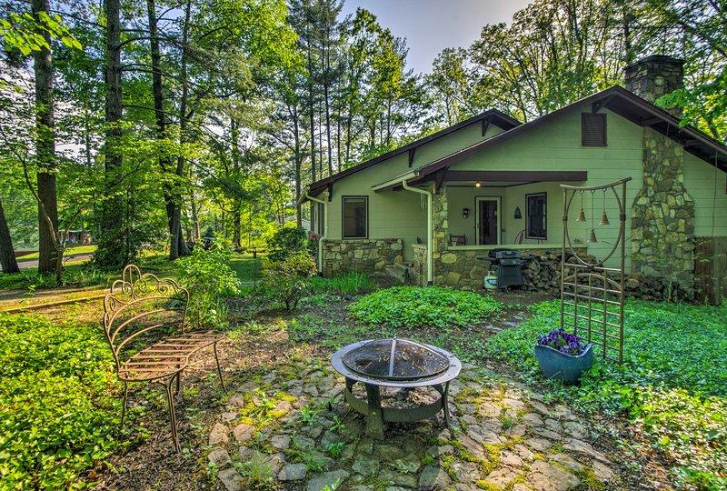 Ett vackert grönskande semesteruthyrning hem väntar dig i North Carolina!