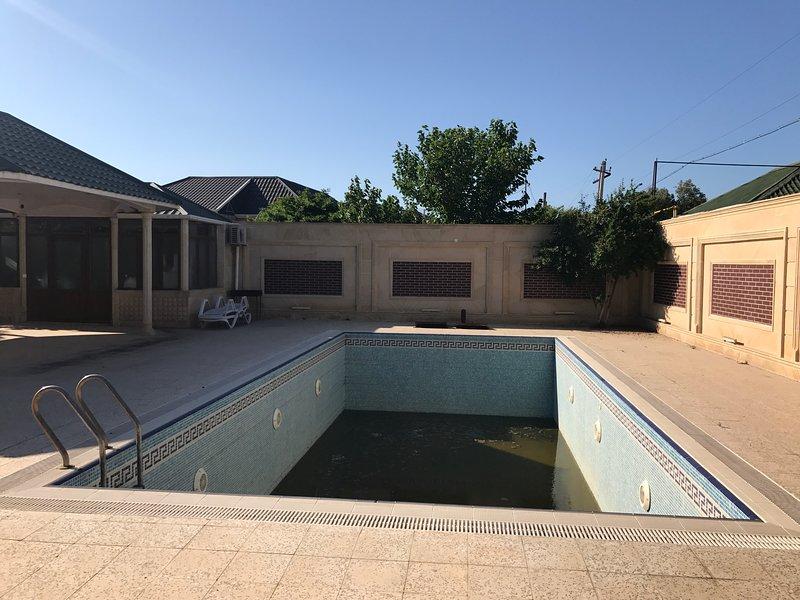 Villa with sea view, casa vacanza a Mardakan