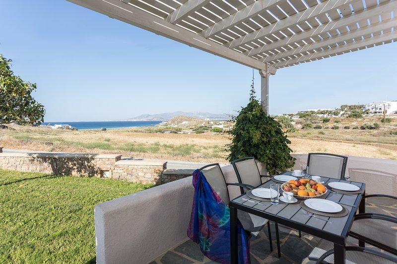 SUPERIOR DELUXE SEA VIEW VILLA, vacation rental in Agios Prokopios