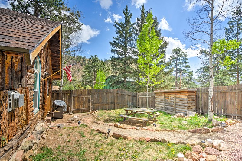 You'll simply fall in love with this cabin's rustic setting.
