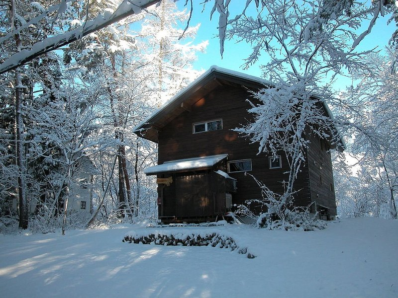 Modern Chalet in Hakuba - Great Views, Conveniently Located, casa vacanza a Chubu
