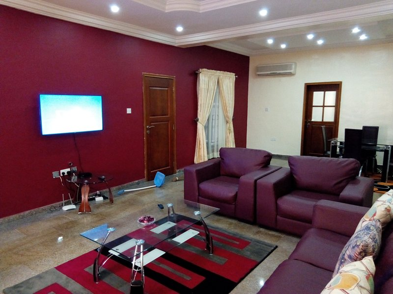 Fully furnished 3 bedroom apartment for rent, holiday rental in Lagos State
