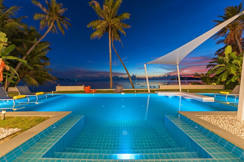 Paradis Blanc - Koh Phangan Luxury Beachfront Villa, vacation rental in Ban Hin Kong
