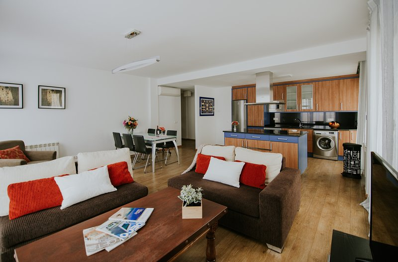 HARO APARTAMENTO  5 PERSONAS, holiday rental in San Asensio