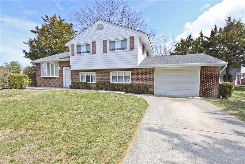 1324 Massachusetts Avenue 137441, holiday rental in Erma