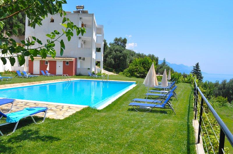 Escape Studio Apartments with swimming pool - Pelekas Beach, holiday rental in Pelekas