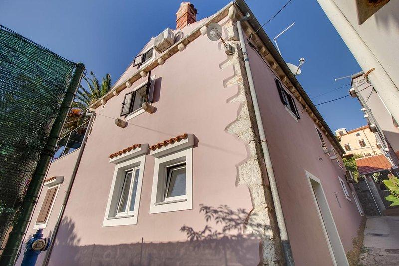 Two bedroom apartment Mali Lošinj, Lošinj (A-11880-a), vacation rental in Veli Lošinj