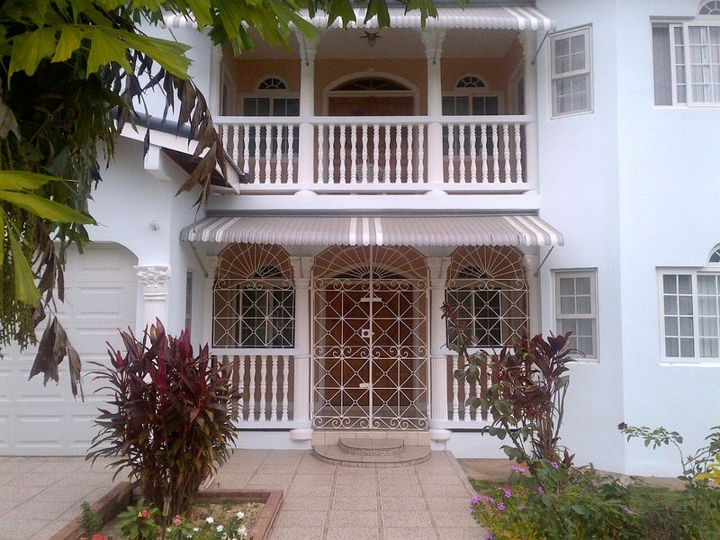 Paradise-Guesthouse – semesterbostad i Runaway Bay