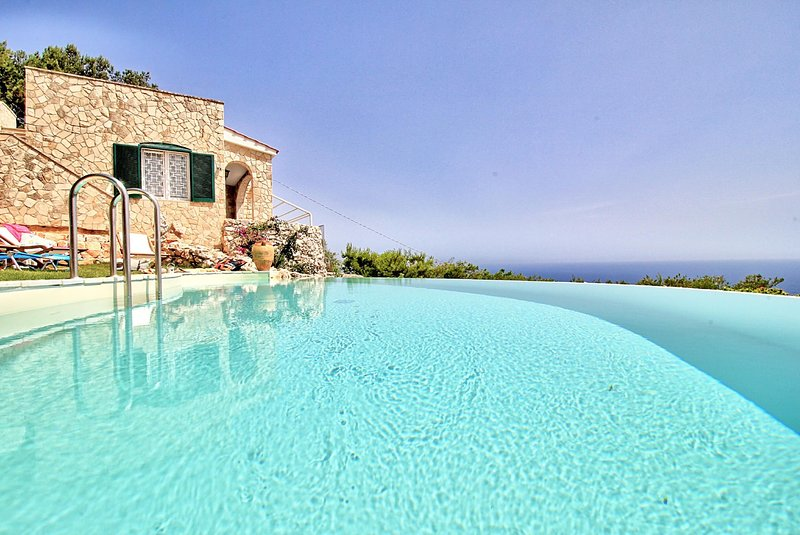 Belvedere 1 luxe pool house, vacation rental in Gagliano del Capo