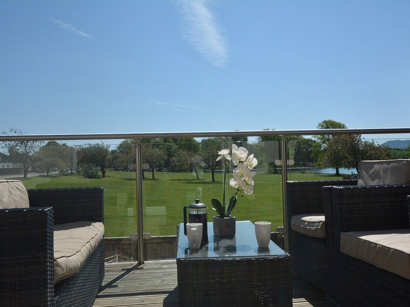 Step outside onto the balcony area,perfect for al fresco dining