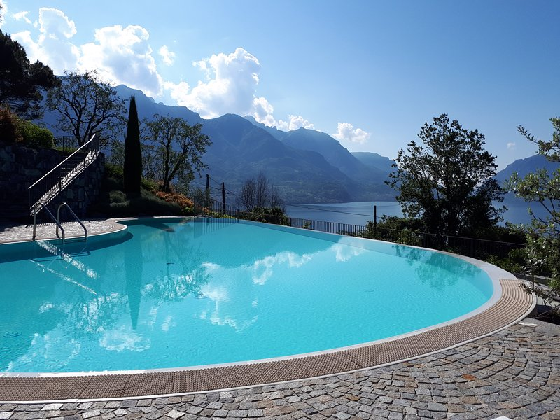Casa Gardenia - amazing lake view and swimming pool and lake view, holiday rental in Bellagio