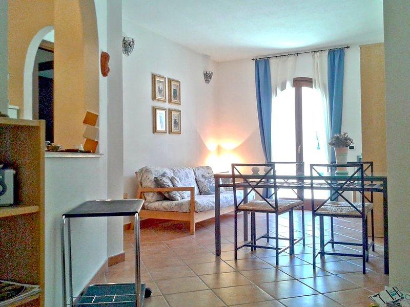 Appartamento Trilocale Con Parcheggio, holiday rental in Sardinia