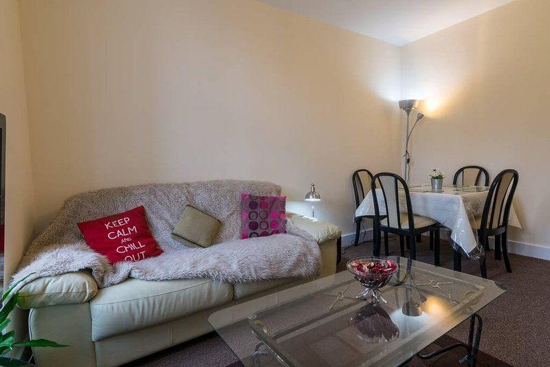 Heart of Finnieston Flat 4 Bedroom 2 Bathroom West End ...