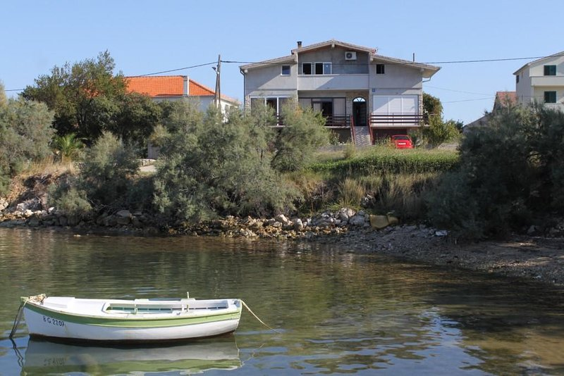 Two bedroom apartment Neviđane, Pašman (A-8401-a), casa vacanza a Mrljane