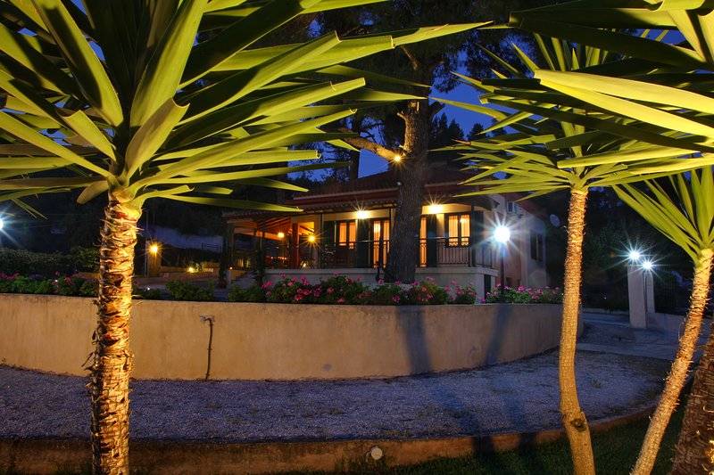 Skopelos country house Diamantis & Chrisi, holiday rental in Stafylos
