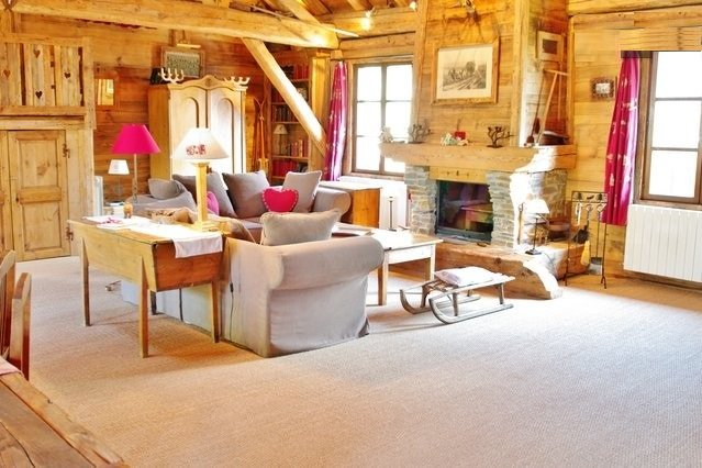 Old Wood & Luxury Chalet in the French Alps - Savoie Mont Blanc, holiday rental in Saint-Martin-sur-la-Chambre