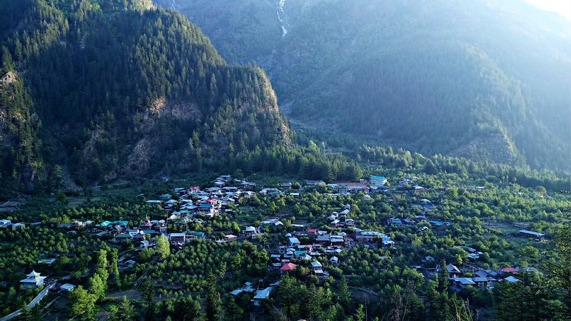 Bobby Guest House Sangla - Bedroom 1, holiday rental in Kalpa