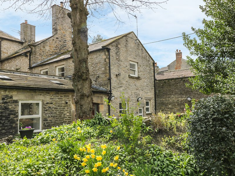 THE GATEHOUSE, woodburner, WiFi, character features, in Middleham, Ref. 905077, location de vacances à East Witton