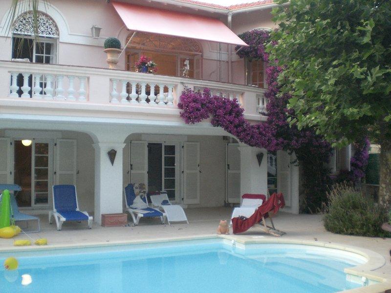 belle villa avec acces direct vers la plage, vacation rental in Agay