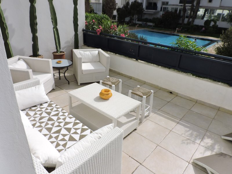 Appart 3 bedrooms & 2 bathrooms - 2 swimming pools 30 m from the beach. maximum 8 people