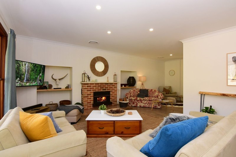 The Ambers  5 Bedrooms, Country Living close to Town, holiday rental in Budgong