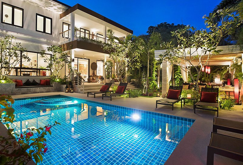 Villa Celeste -Luxury 4 Bedroom Pool Villa Koh Samui Beach, holiday rental in Taling Ngam