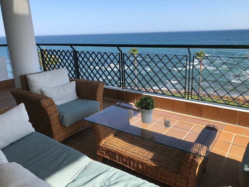 TERRACE OF THE APARTMENT WITH SEA VIEWS