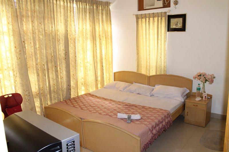 Abidsinn Homestay - Bedroom 1, holiday rental in Bilekahalli
