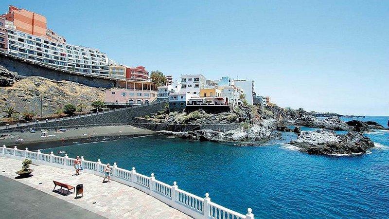 Amplio Apartamento Frente Playa, holiday rental in Puerto de Santiago