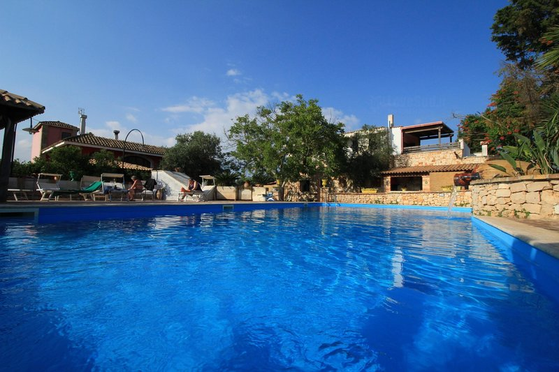 Trilo Noce shared pool, holiday rental in Salignano