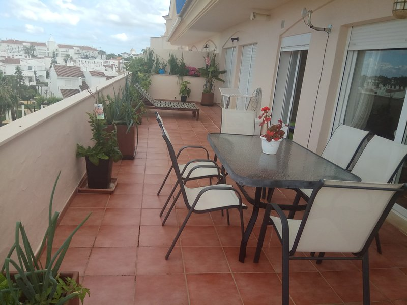 ATICO DE LUJO EN COSTABALLENA, vacation rental in Rota